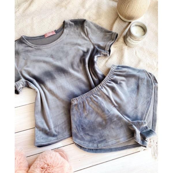 Невероятно нежные и прятные к телу бархатные пижамки. Не упусти возможность заказать пижамку по скидке!!! Качественный пошив! Модель  076-10